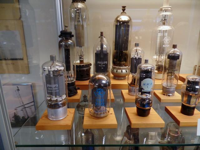 Radiorör på parad i museet