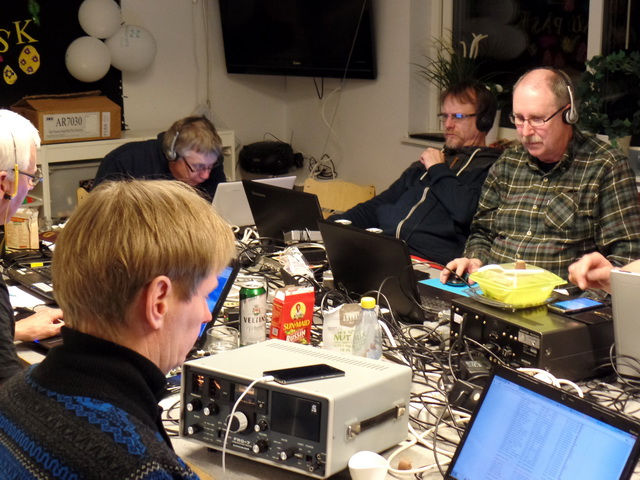 Sammanbitet lyssnande i Saxtorp